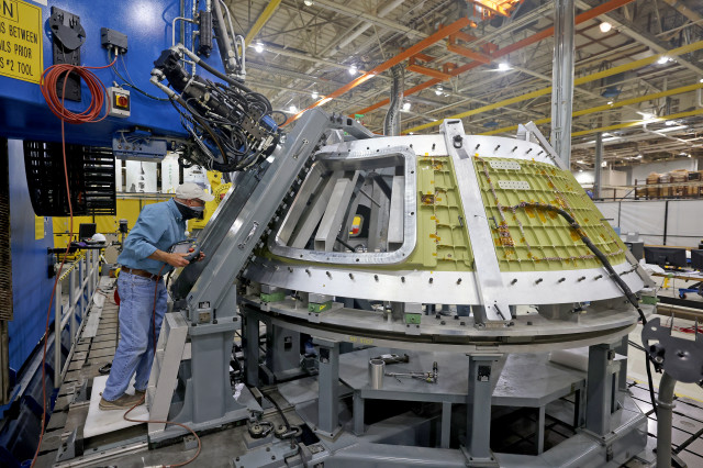 Welding Underway on Orion for First Artemis Mission Landing Astronauts on the Moon