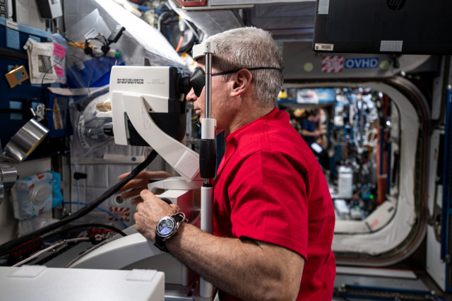 Astronaut Mark Vande Hei Gets His Eyes Checked on Station